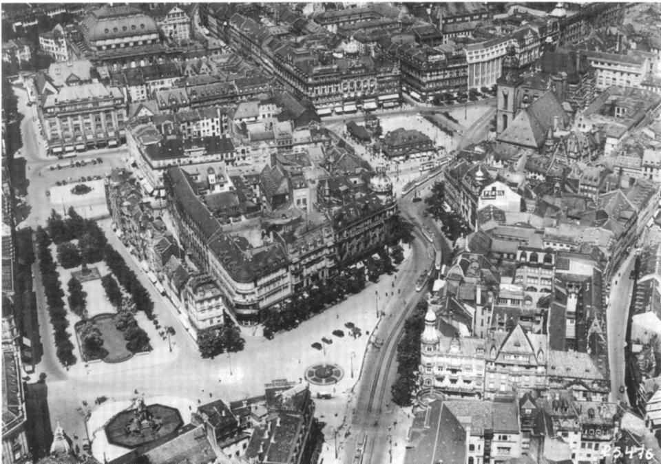 Ein Luftbild Aus Dem Jahr 1929 Zeigt Rathenauplatz Rossmarkt Und Hauptwache Frankfurt Am Main Frankfurt Bilder