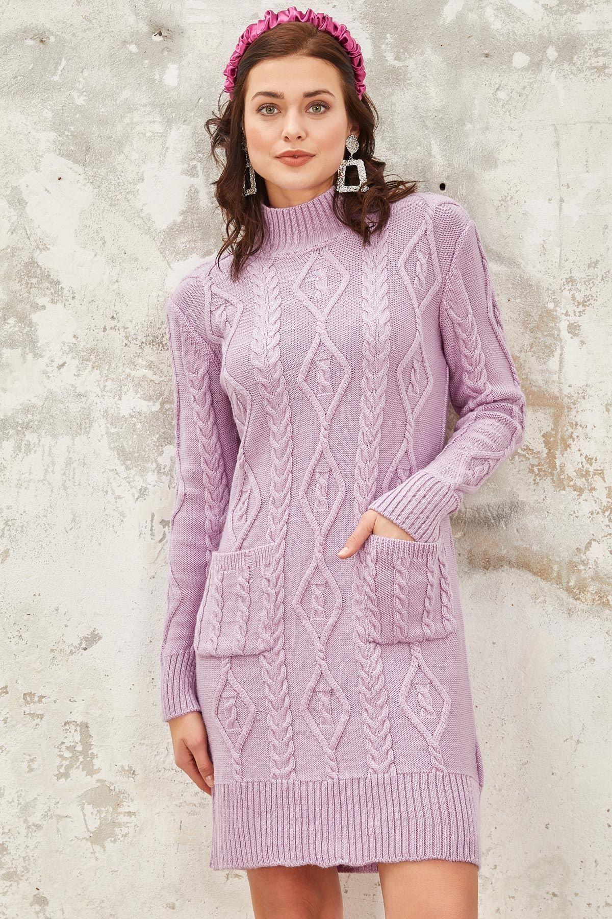 فستان تريكو ياقة عالية لون ليلكي