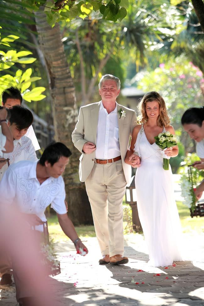 A Romantic Real Life Wedding Abroad In Thailand With Claire And Daryl Wedding Abroad Romantic Weddings Wedding