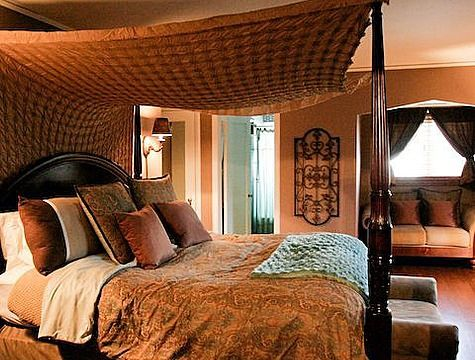 Romantic And Beautiful Bedroom Decorating With Arabic Style 61