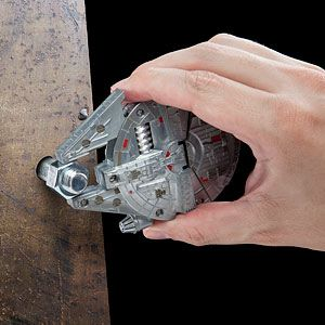 20a683e42143 Star Wars Millennium Falcon Multi-Tool Kit - Exclusive Additional Image