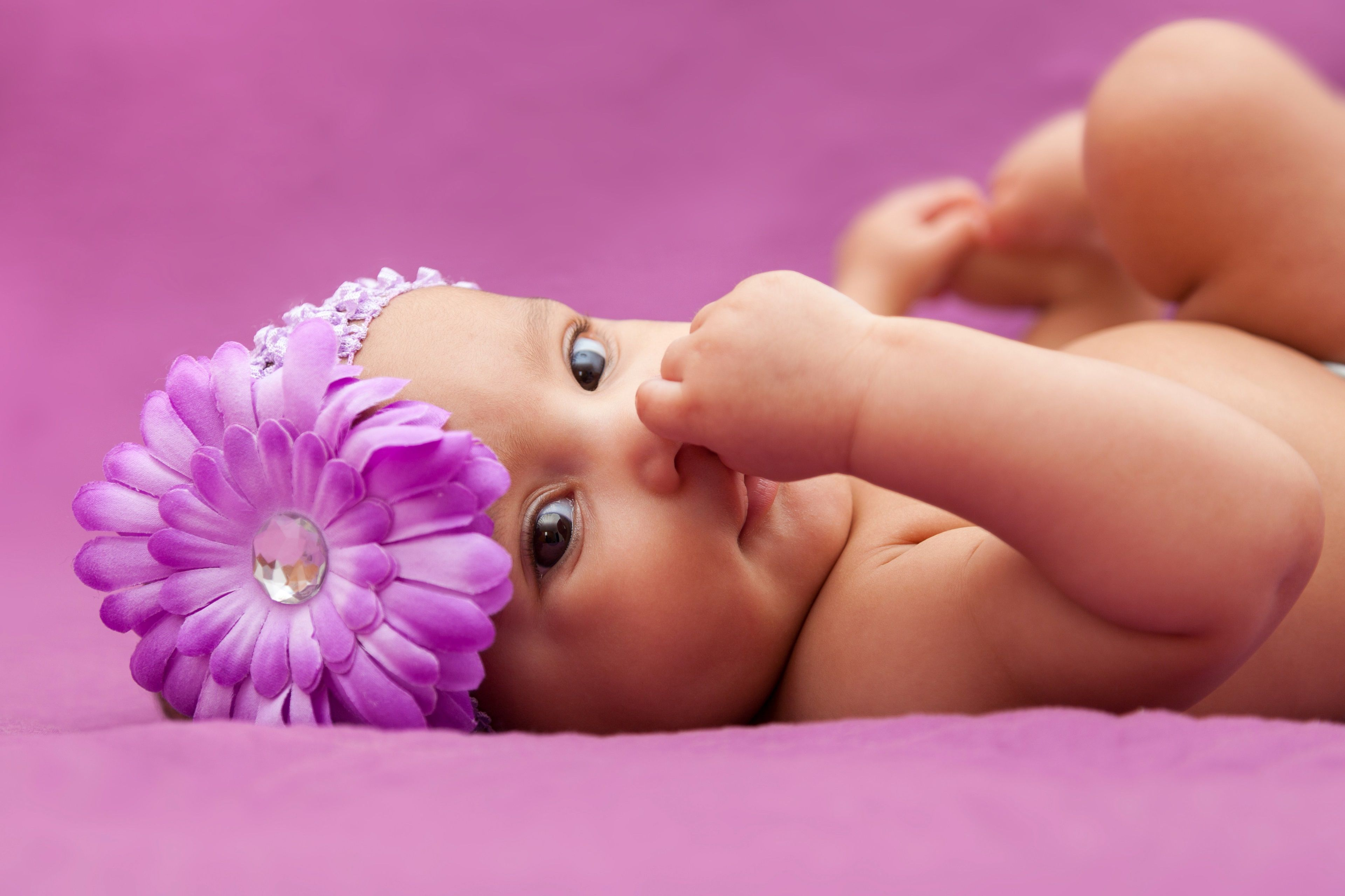 3840x2559 Cute Baby 4k Widescreen Hd Wallpaper New Baby Products Newborn Baby Photography Baby Girl Wallpaper