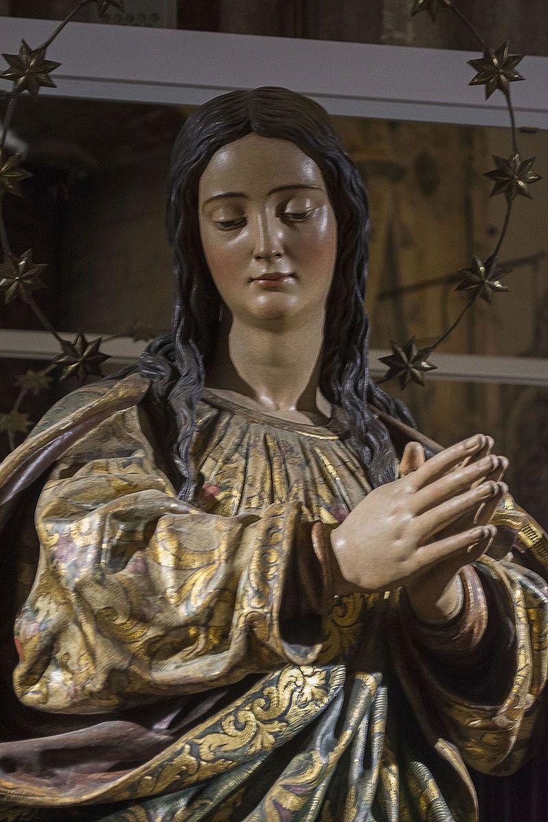 """Cieguecita- Inmaculada La Cieguecita -La Inmaculada di Juan Martínez Montañés, conosciuta come """"La Cieguecita"""", è una scultura datata tra il 1629 e il 1631, che è conservata nella cappella dell'Immacolata nella Cattedrale di Siviglia"""