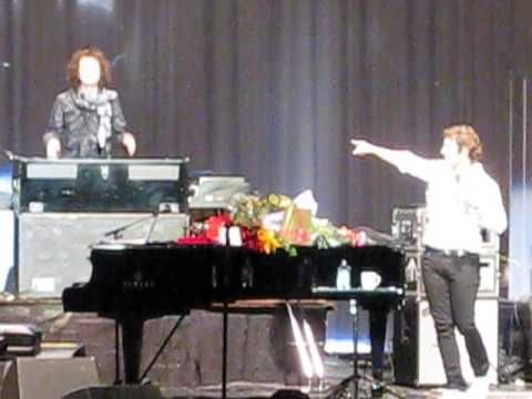 Josh Groban, introducing the band (Live in Moscow 19.05.2013)