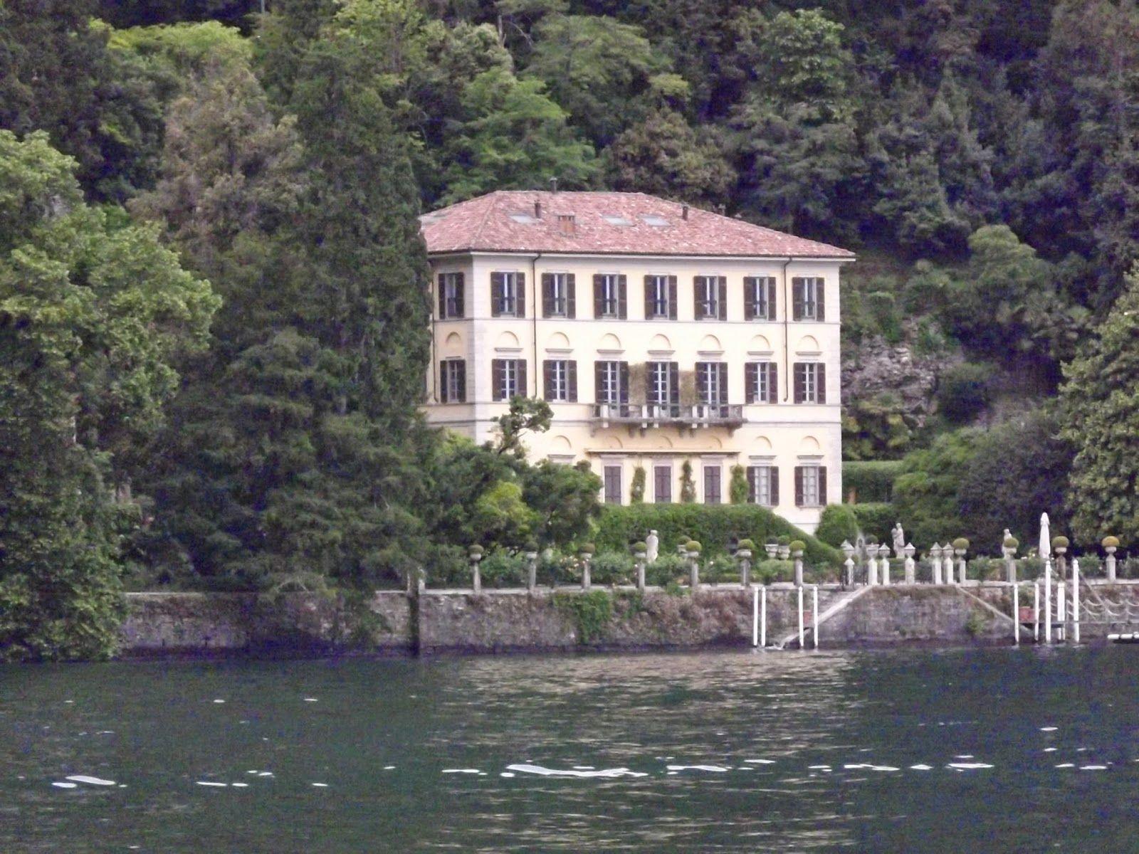 La Bussola e il Diario #lakecomo Visitare il Lago di Como e ritrovarsi improvvisamente dentro una cartolina illustrata. E dove la perfezione del panorama rasenta la perfezione, anche l'ospitalità è raffinata ed estremamente cordiale. http://www.bussoladiario.com/2014/05/como-hotel-posta-moltrasio.html