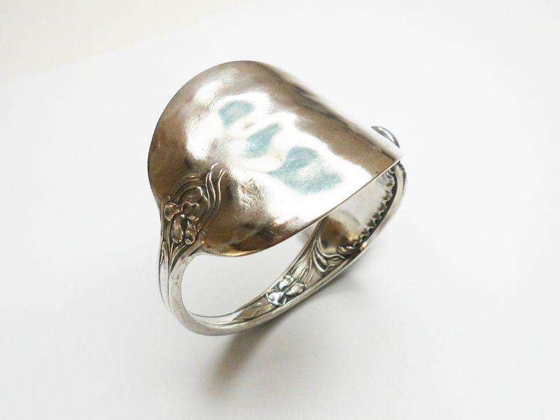 Antiker  Armreif  aus Silberbesteck Besteck  AB203 von Atelier Regina auf DaWanda.com