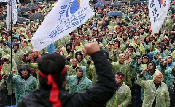 Corea del Sud: 5941 lavoratori licenziati perché in sciopero contro la privatizzazione dei trasporti - AgoraVox Italia