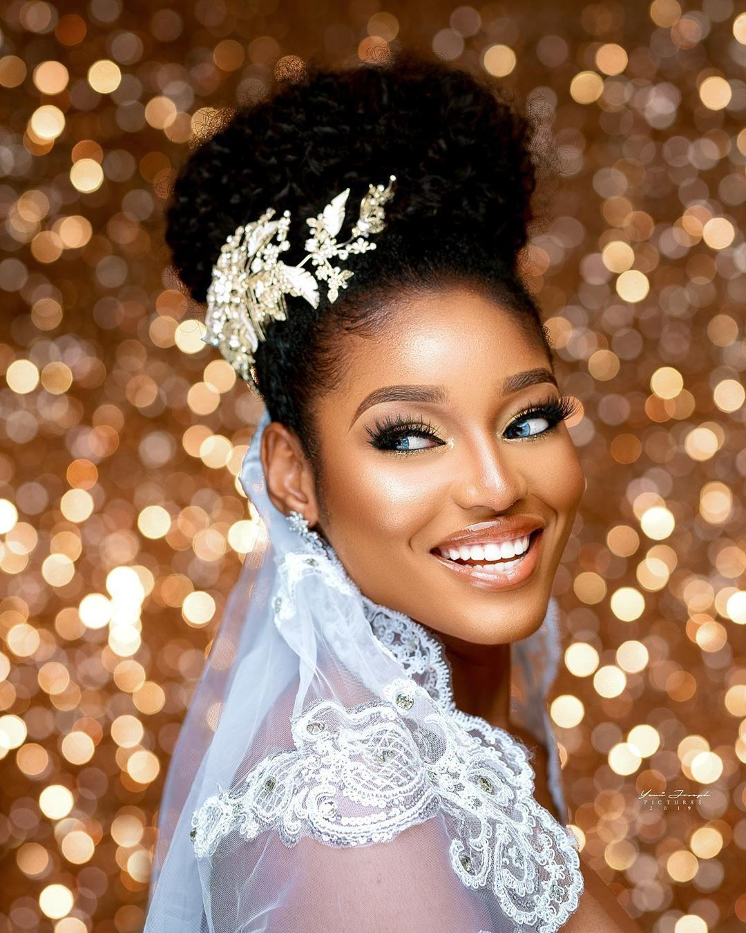 Be A Natural Glam Bride Like The 43rd Miss Nigeria On Your Wedding Day Natural Wedding Hairstyles Natural Hair Bride Bridal Hair Pieces