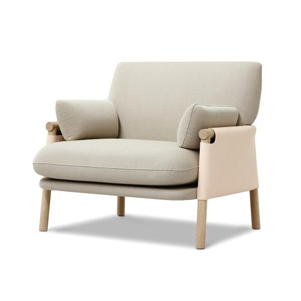 Productnaam: Savannah Lounge Chair – Ontwerper: Monica Forster – Merk: Erik Jorgensen - Land: Zweden - Materiaal: Stof, Hout