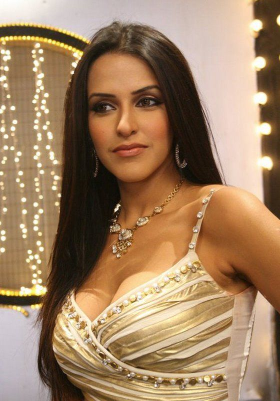 Spicy Bollywood Actress Neha Dhupia Photos 9 Bolywood