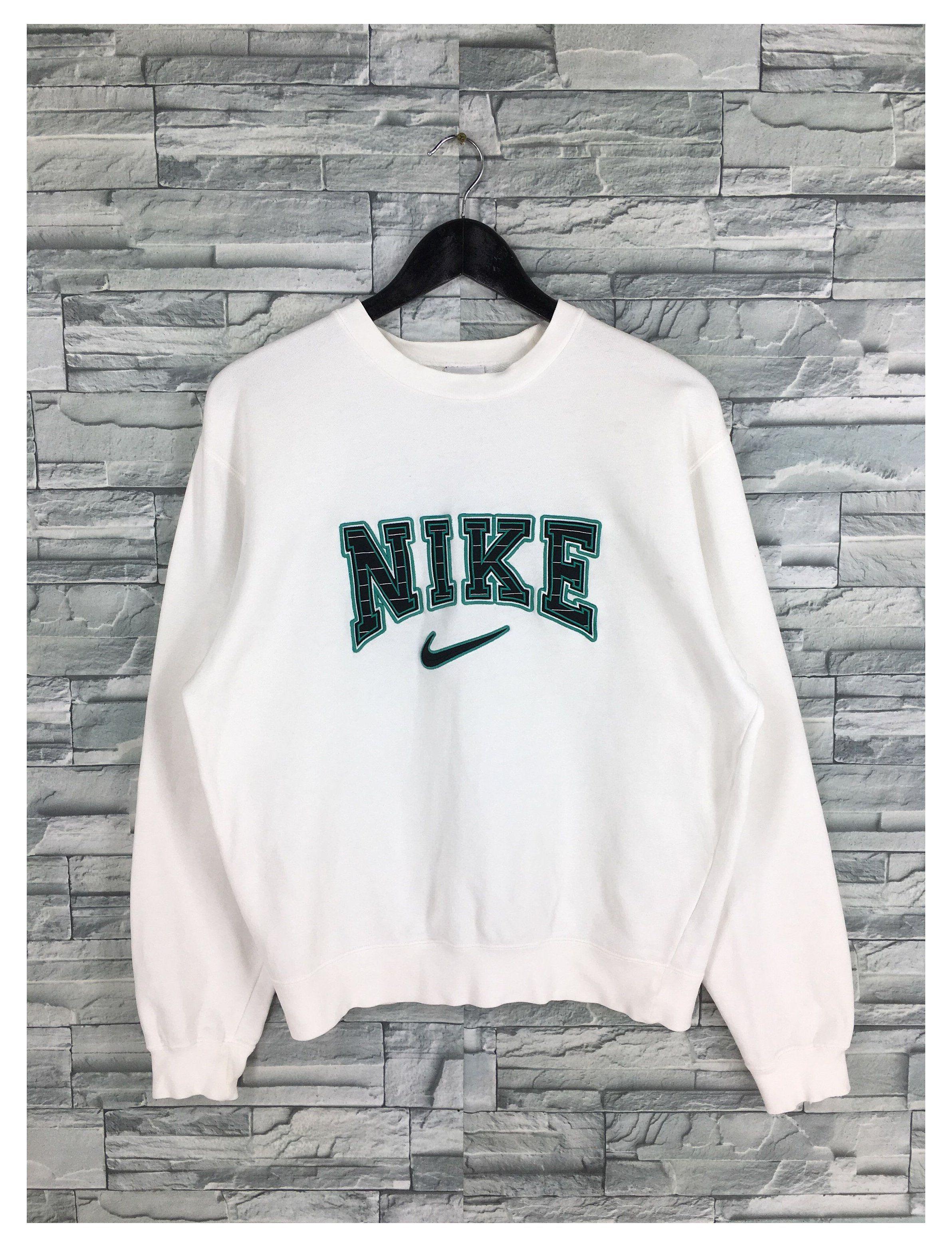 Vintage Nike Sweatshirt Pullover White Medium 90 S Nike Etsy White Vintage Nike Jumper Whit In 2021 Vintage Nike Sweatshirt Vintage Hoodies Pullover Sweatshirts [ 3120 x 2384 Pixel ]