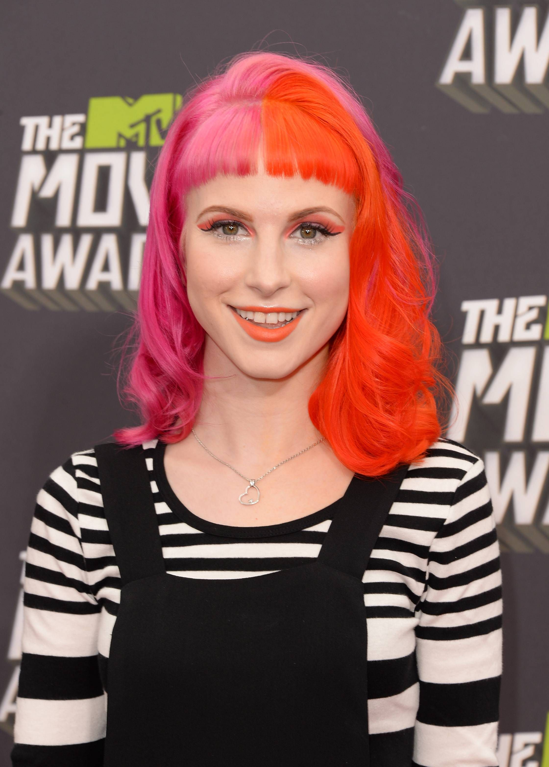 Hayley williams girlssmiling pinterest girl smile and girls