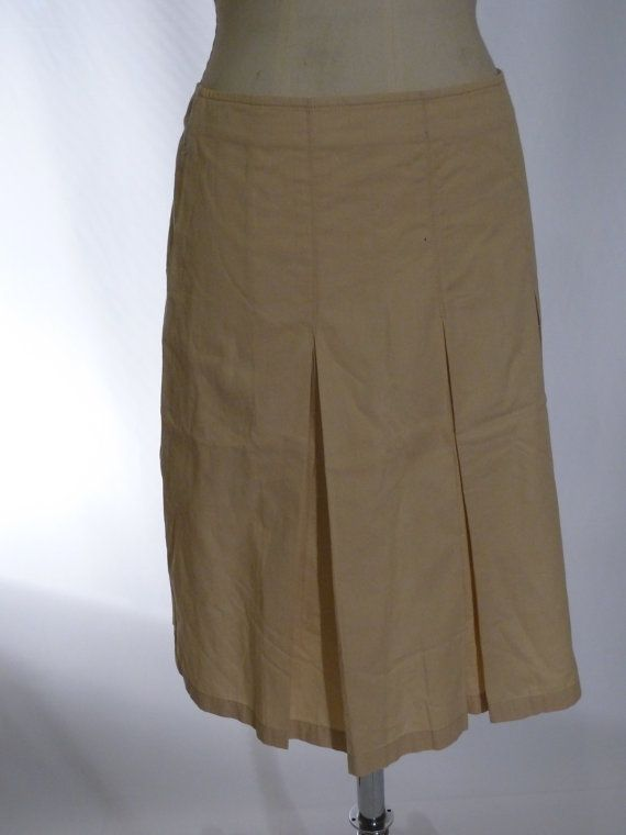 Armani skirt mane in Italy size 40     Measurements:  Size: 40     Leght (lunghezza): 55 cm