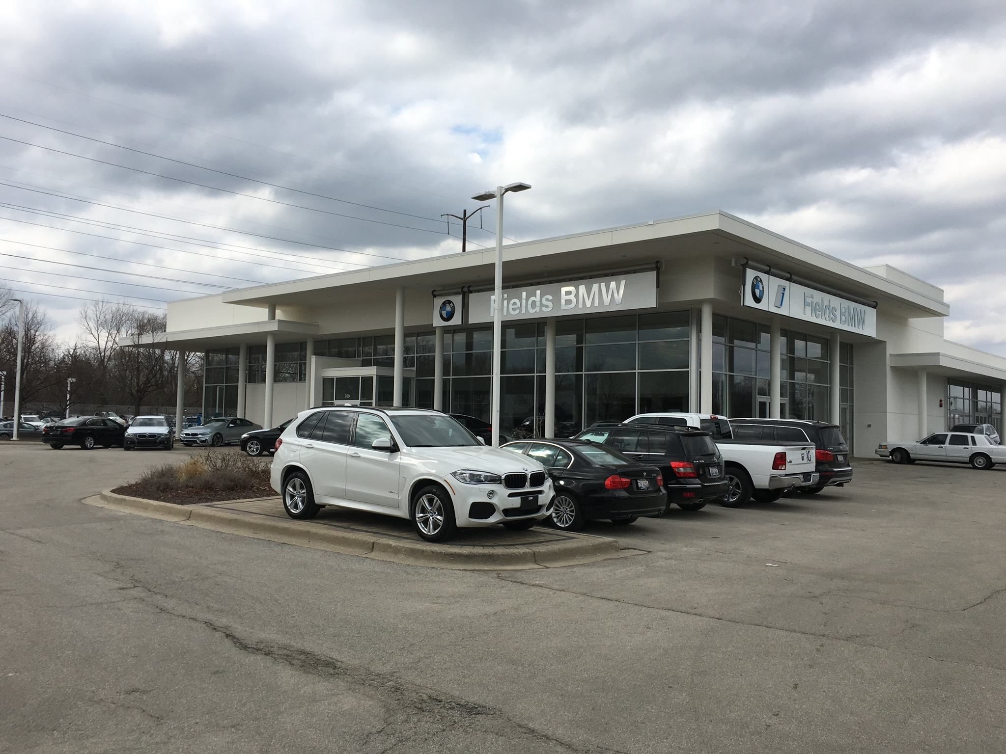 Our Mission Is To Make Every Customer A Customer For Life By Consistently Providing World Class Services Su Bmw Cars For Sale Northfield Luxury Car Dealership