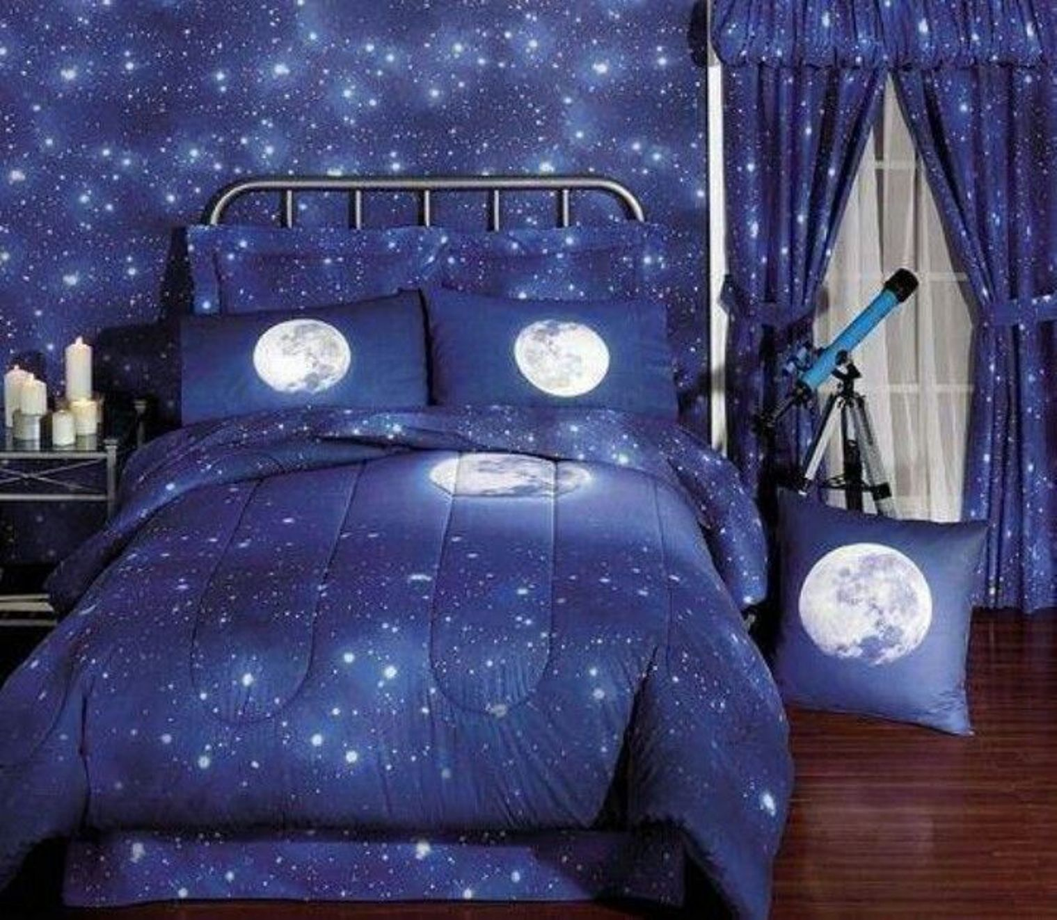 Bedroom , Outer Space Themed Bedroom : Outer Space Themed Bedroom