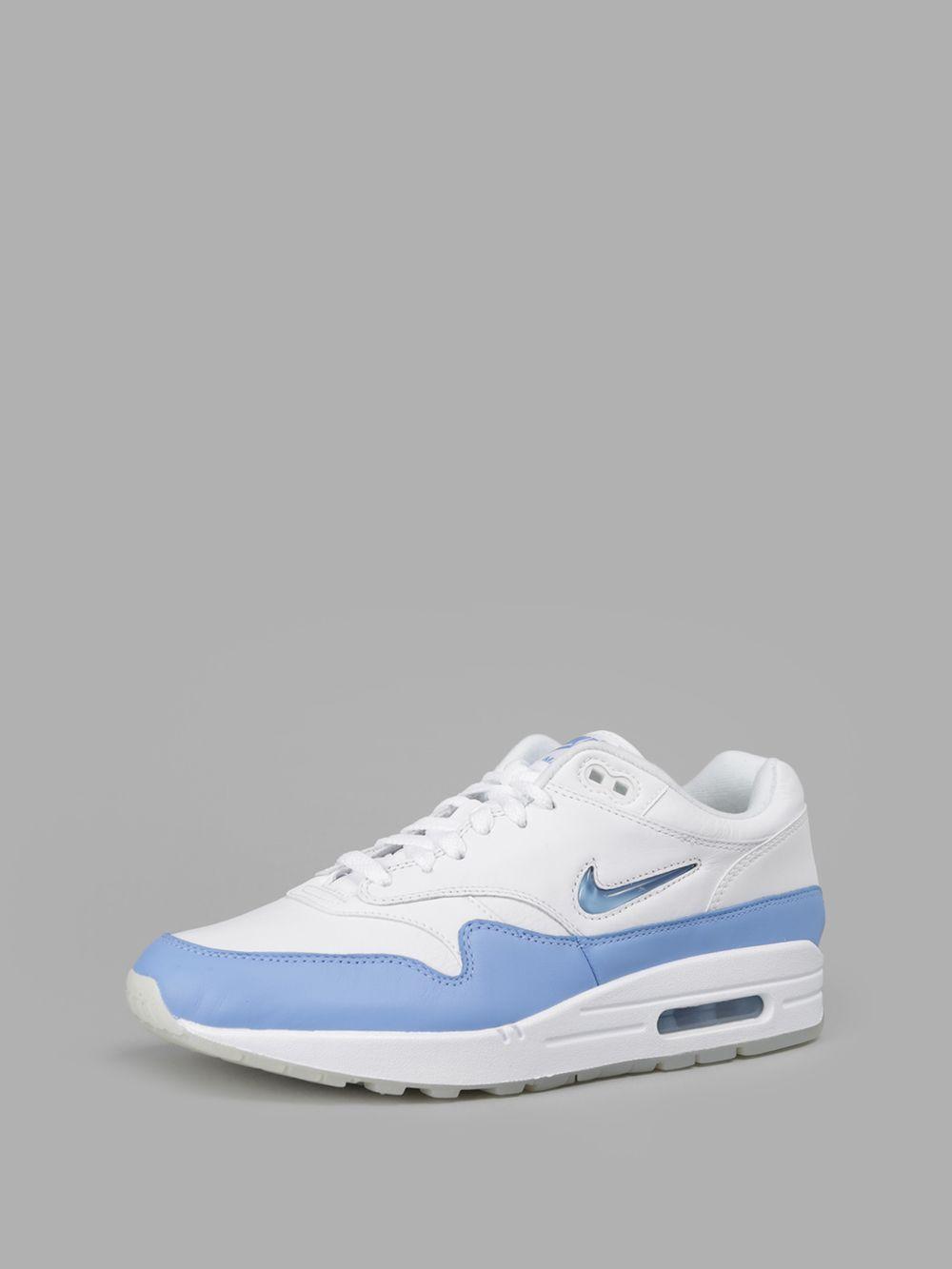 Nike 137€