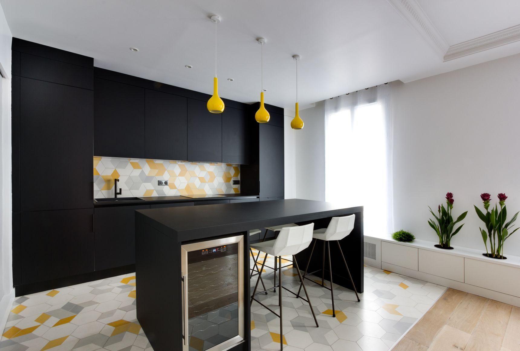 cuisine ouvert et plantes d 39 int rieur appartement de 69m2. Black Bedroom Furniture Sets. Home Design Ideas
