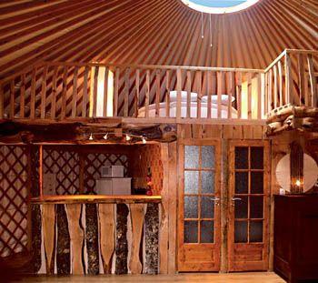 yourte contemporaine l 39 int rieur yourte pinterest yourte contemporain et int rieur. Black Bedroom Furniture Sets. Home Design Ideas