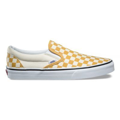 The US Open Classic Slip-On combines the signature low profile slip-on style with sturdy canvas uppers, the iconic Vans checkerboard print, and 2017 Vans US Open of Surfing logo details. It also includes padded collars, elastic side accents, and signature rubber waffle outsoles.
