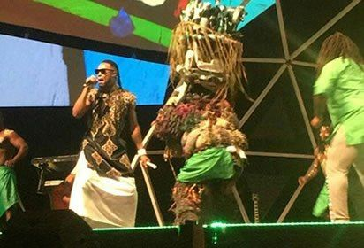 Video: Flavour brings 'Ijele' Masquerade on stage at Glo Caf Awards, view details at https://goo.gl/R63sYt
