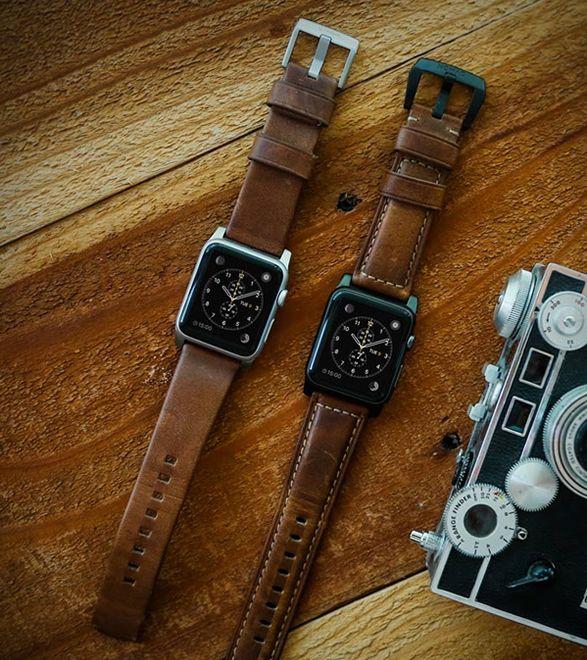 577b1b21940 A Nomad apresenta a sua nova pulseira de couro para o Apple Watch. A  pulseira para o relógio excepcional da Apple é muito bem trabalhada em couro