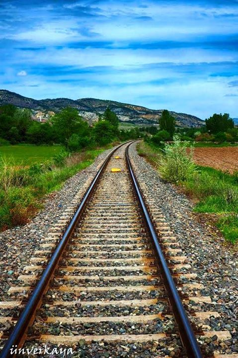 Tweets Marcados Como Me Gusta Por Ines B Moraimauy Twitter Scenery Track Pictures Train Tracks Train background images hd download