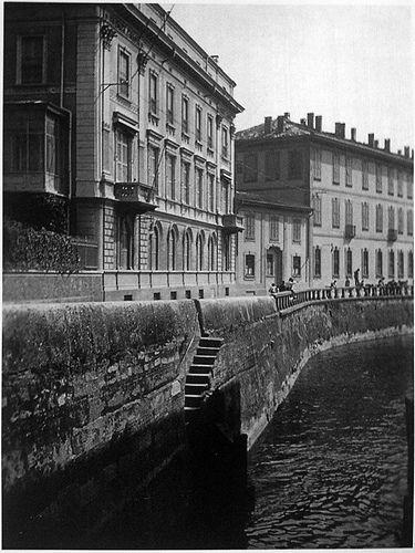 Palazzo Cramer Visto Dal Naviglio In Via Fatebenefratelli Milano Milan Photo