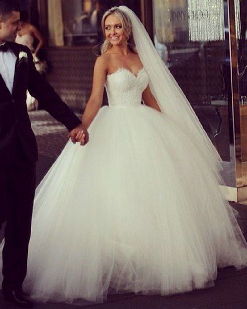 White Tulle and Lace Princess Wedding Dress Ball Gown With Lace Up Back Sweetheart  vestido de noiva 2015 New 82e7e5bd100e