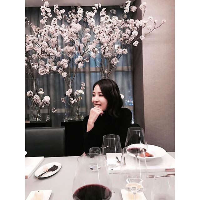 Kpop Snaps! | BoA (boakwon) on instagram - 최현석 쉐프님의 멋진 레스토랑 #쵸이닷 정말 섬세한 손길 하나하나에 감동받고 가요~~^^