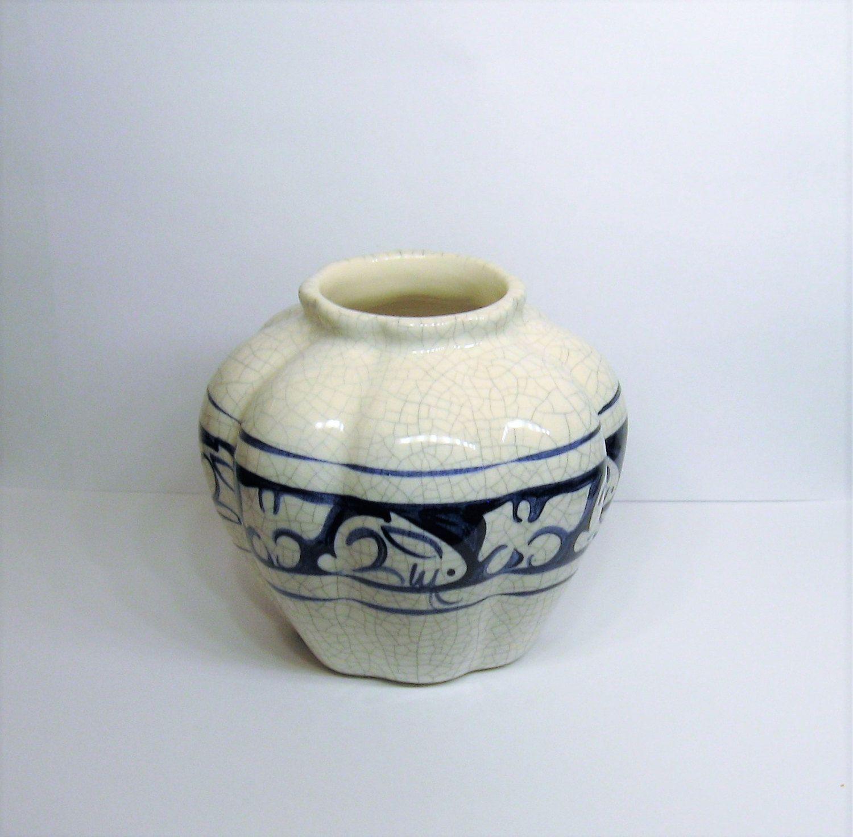20 dedham pottery rabbit potting shed pumpkin vase blue crackle pottery reviewsmspy