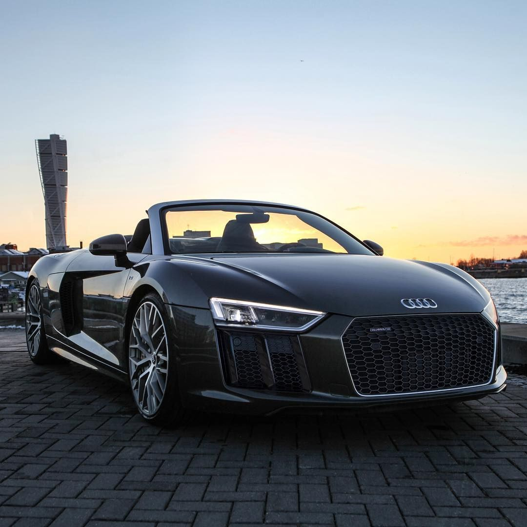 Audi R8: 10.3k Likes, 25 Comments