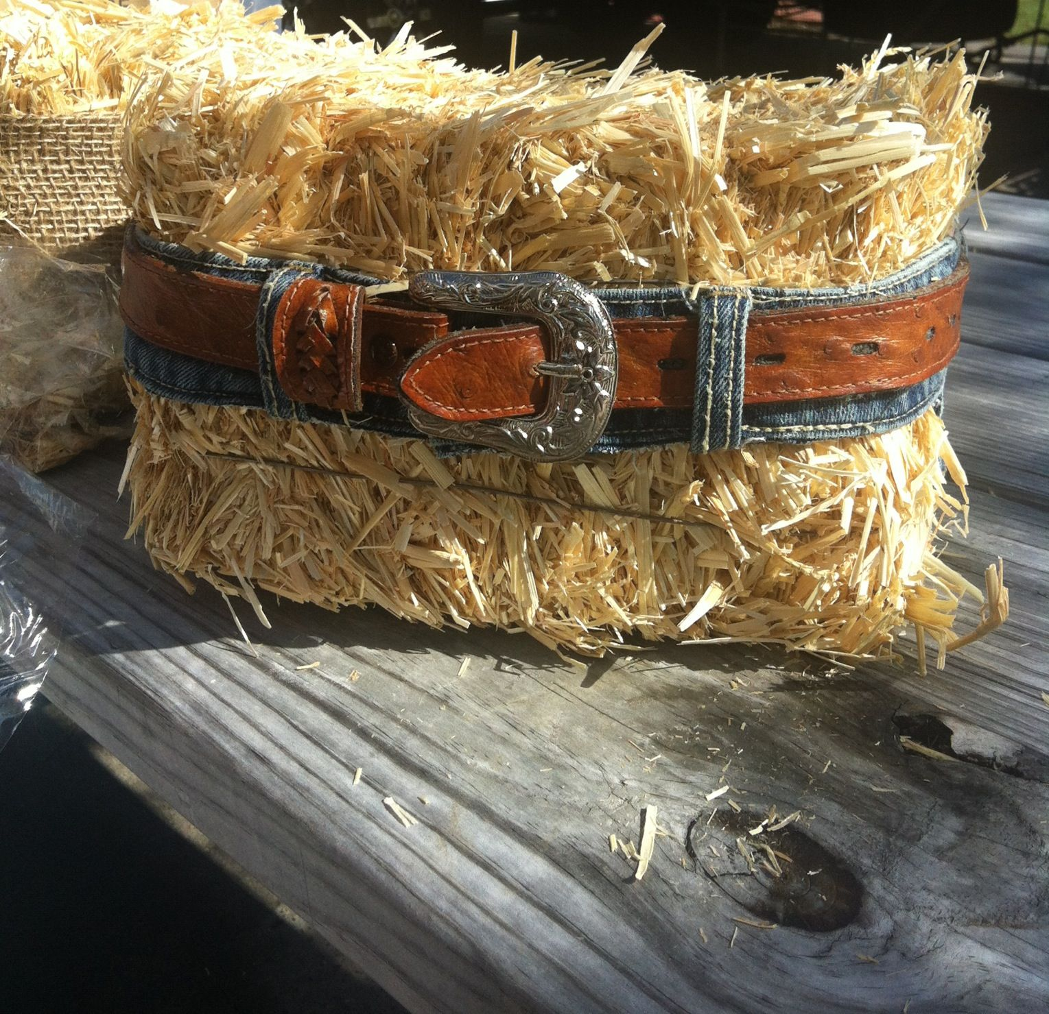 Mini hay bail centerpiece my wedding pinterest for Bales of hay for decoration