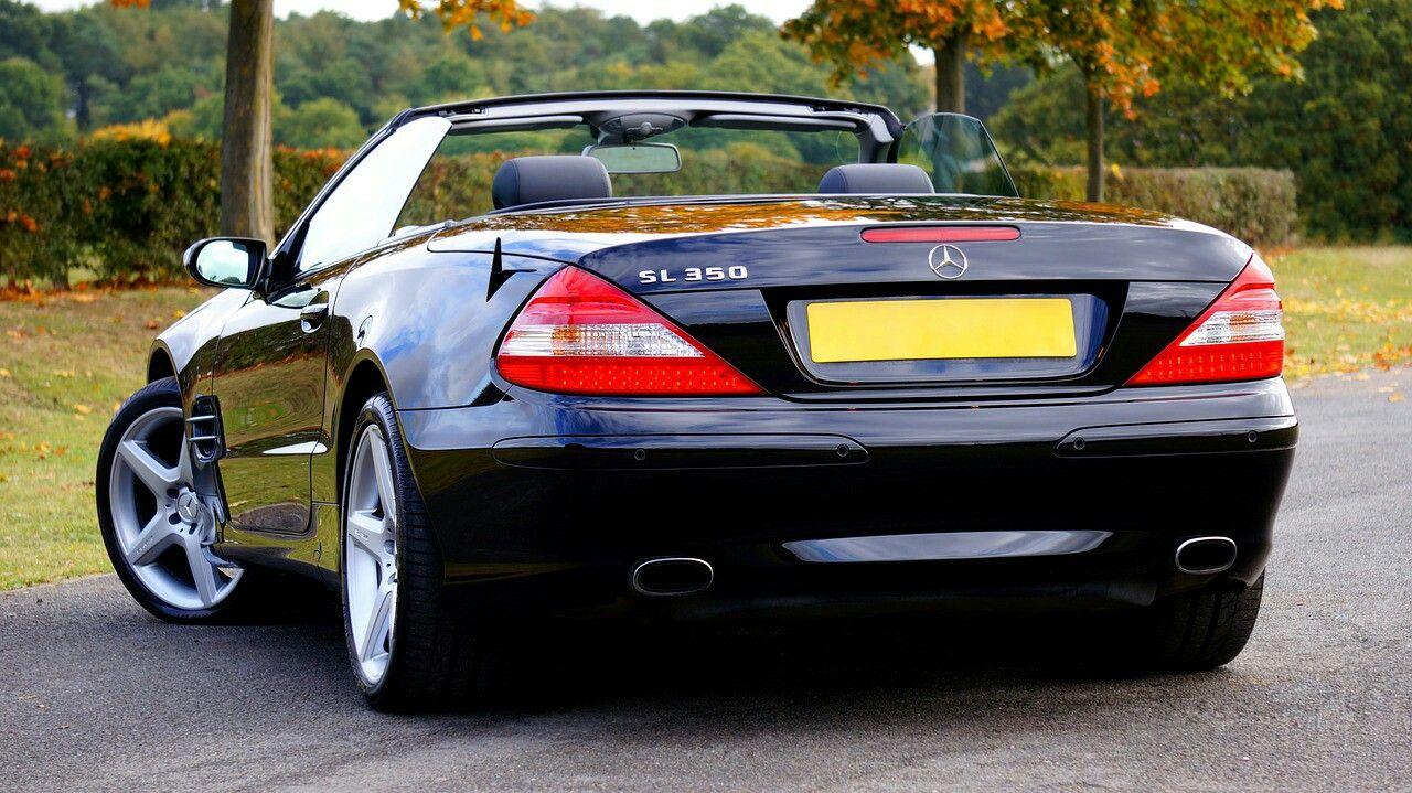 Car Mercedes Benz transport