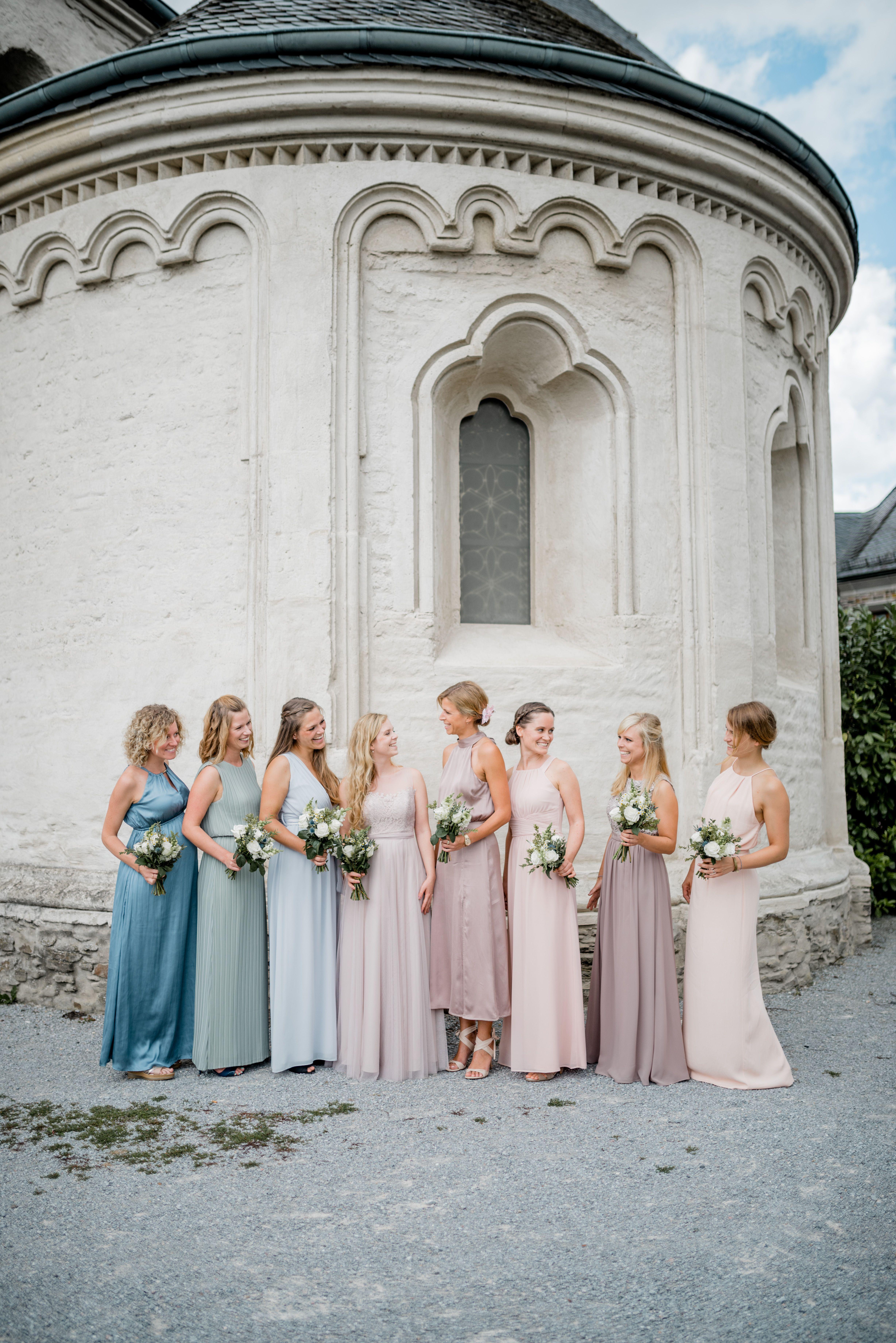 Bridemaids // Brautjungfern // Brautjungfernkleider // Pastellig ...