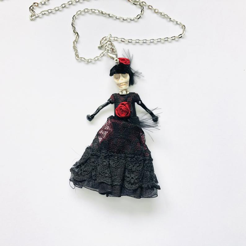 Movable Skeleton Halloween Bride Doll with Black and Red Lace Dress Halloween Pendant Necklace Mod Jewelry A904 #bridedolls