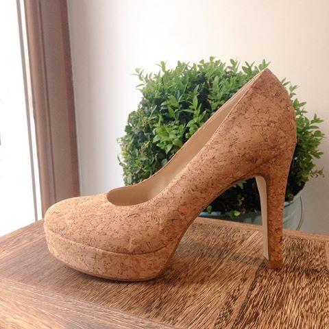 Oryginalne Szpilki Z Korka Korek To Tworzywo W 100 Naturalne Do Tego Nie Przepuszcza Wody I Jest Hipoalergiczne Nae Vegan Shoes Pumps Shoes