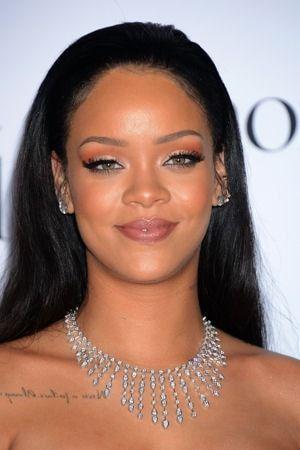 Rihanna, lumineuse