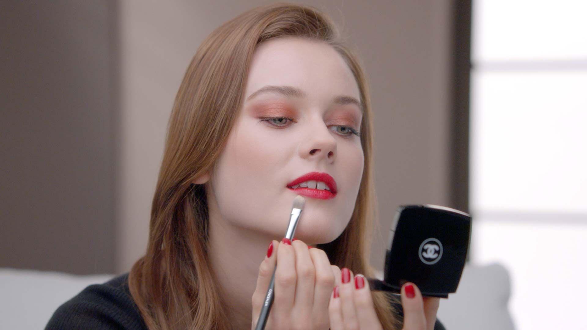 Jac jagaciak chanel fall 2015 le rouge makeup collection n1 chanel makeup tutorials a harmony of eye looks for the season baditri Images