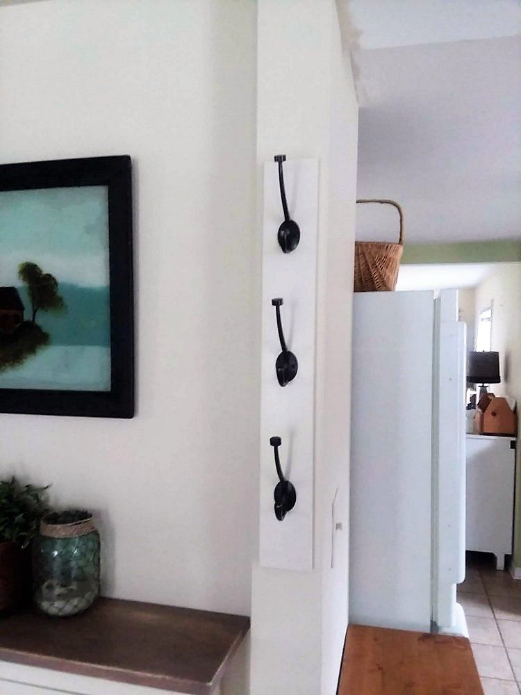 Diy wall mounted vertical coat rack with hooks small