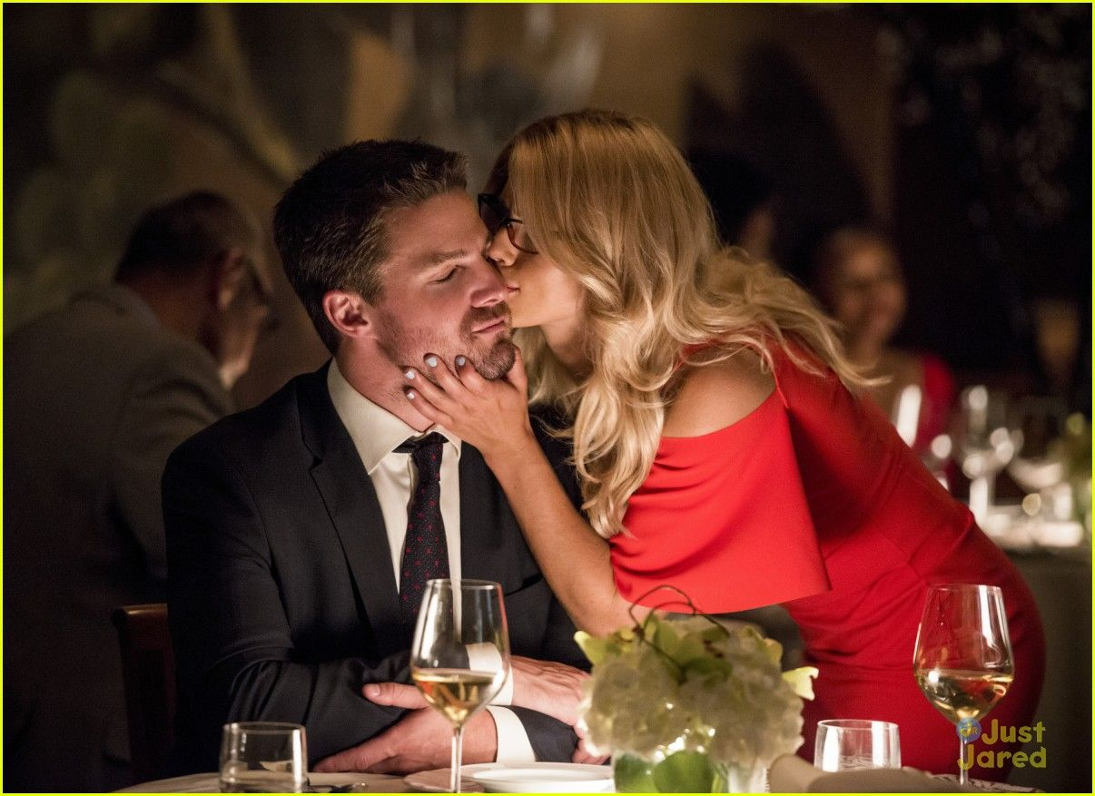 Related Image Olicity Arrow Season 6 Oliver And Felicity