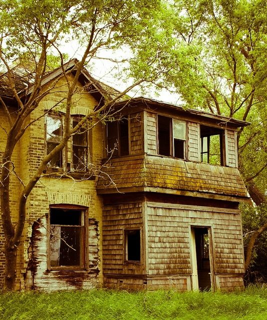Faded Beauty | Abandoned Beauty | Abandoned houses, Old