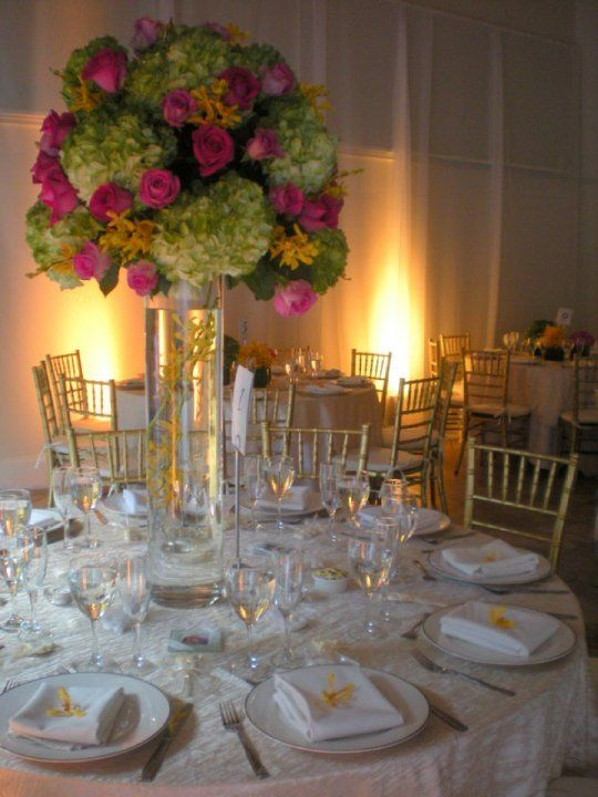 Miami Beach Botanical Garden Gold Chiavari Chairs Sit Down Dinner Style Roses And Hydrangeas C Hydrangea Centerpiece Gold Chiavari Chairs Botanical Gardens