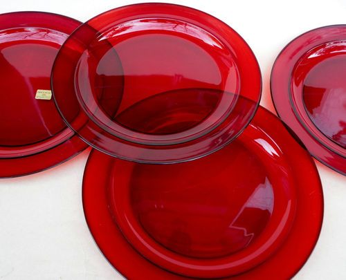 Arcoroc France Ruby Red Glass Dinnerware Plates & Arcoroc France Ruby Red Glass Dinnerware Plates | Collect This ...