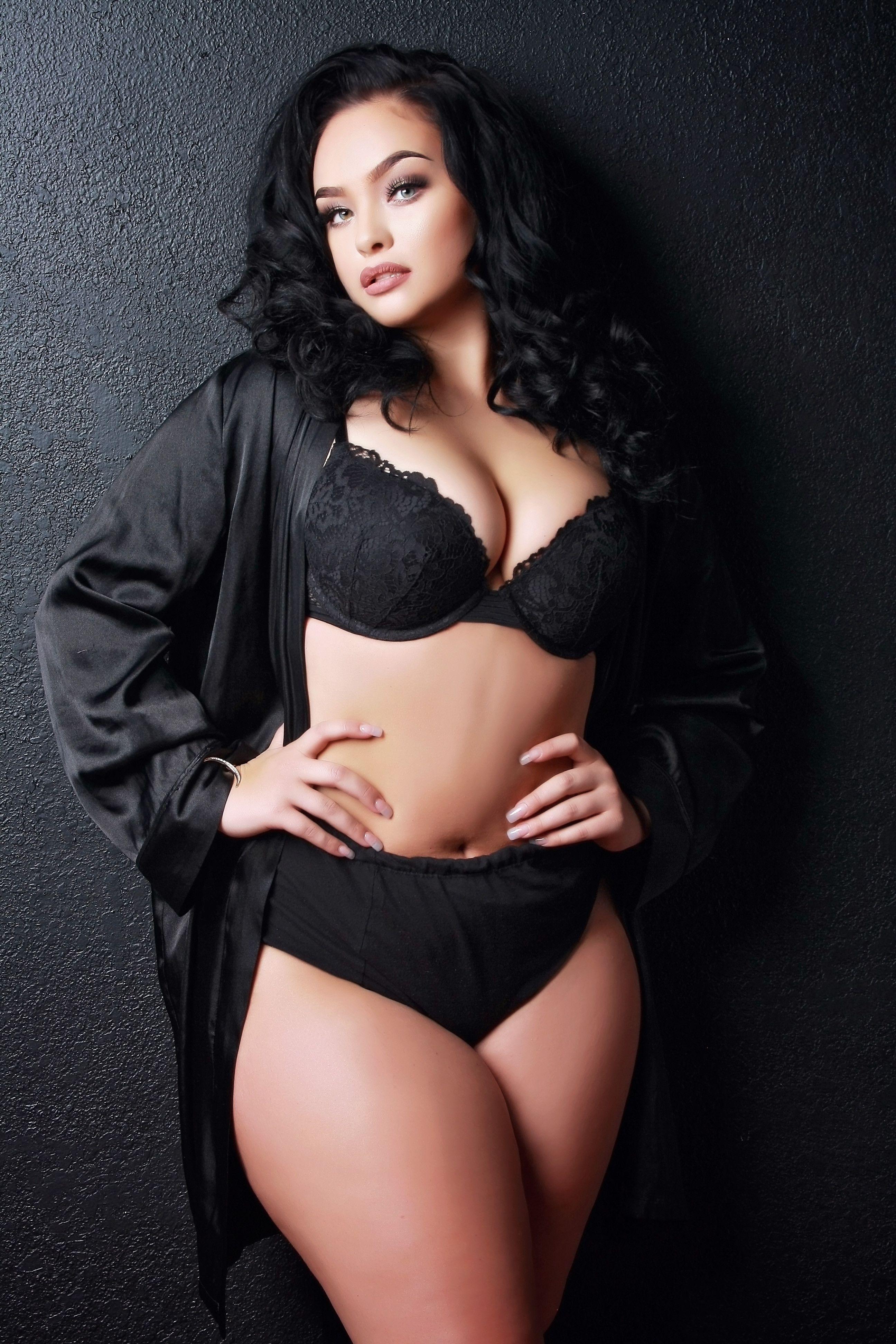 6d526c8f3e  boudoir  curves  boudoirphotographer  texasboudoir  blackonblack   beautyandboudie  4forty4