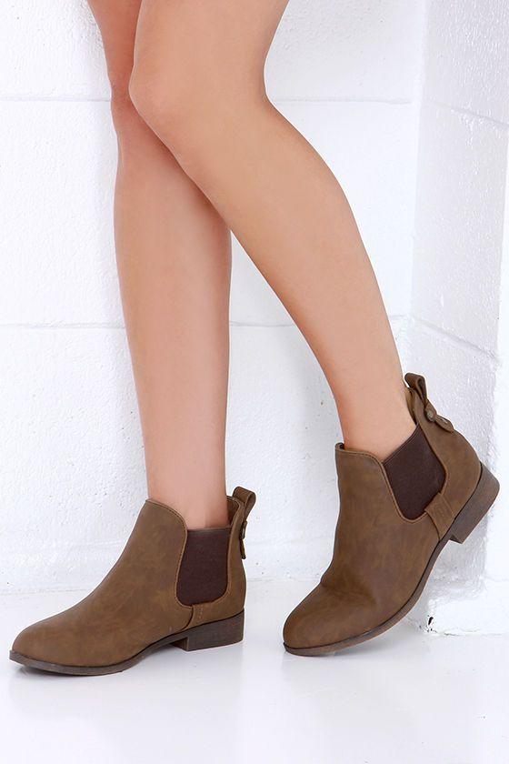 Madden Girl Draaft Cognac Brown Chelsea Boots