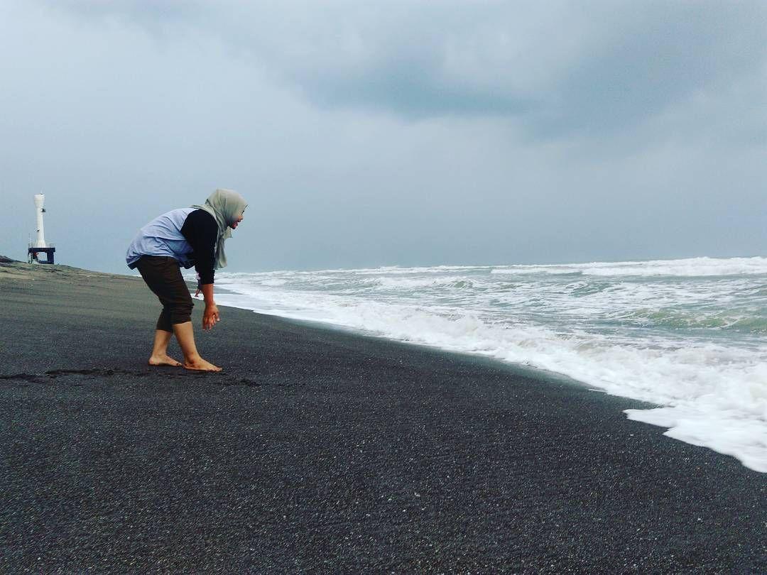 Telisik Keindahan Pantai Apra Di Cianjur Selatan