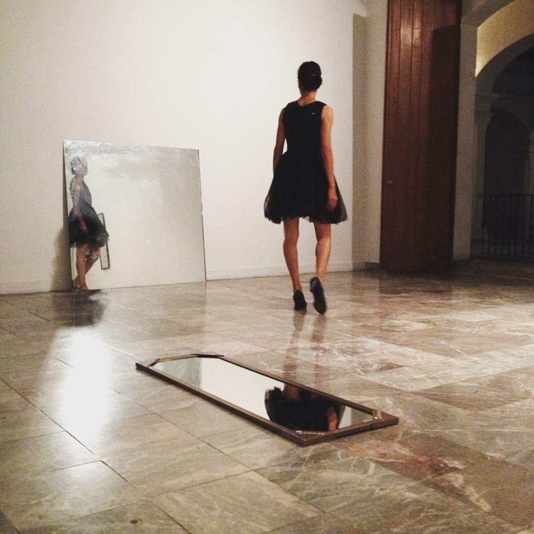 La Espera Coreografía: Erika Torres Intérprete: Laura Vera Música Original: Eduardo Farres Museo de los Pintores Oaxaca