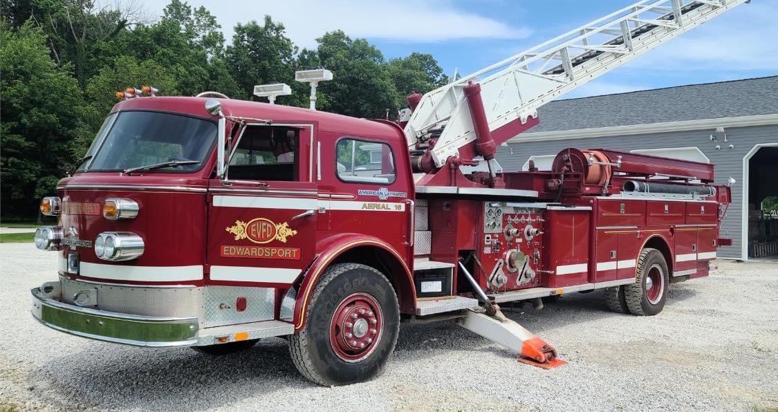 Pin by Bob Riegel on Big Red Trucks in 2020 Fire trucks