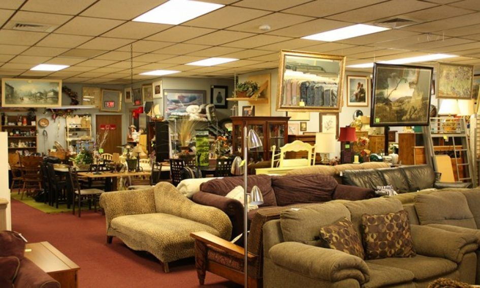Furniture Thrift Store Decorating Where The Room Is Crowded With A Variety Of Furniture And The Arrangement Is Quite Good Getting Thrift Store Decorating