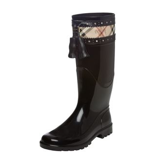 d6a0d0dbe46 Spice up your outfit on a rainy day with these imported women's rain ...